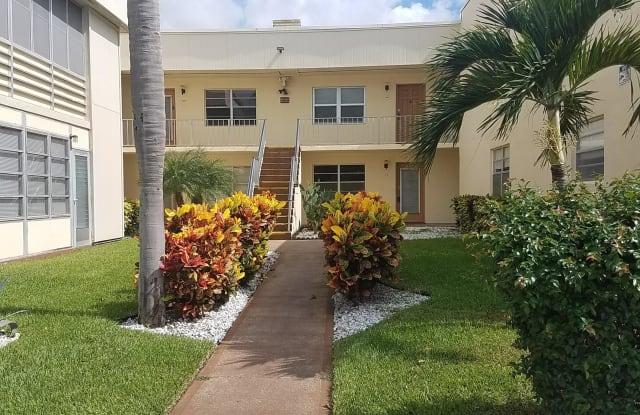 566 Capri L - 566 Capri H, Palm Beach County, FL 33484