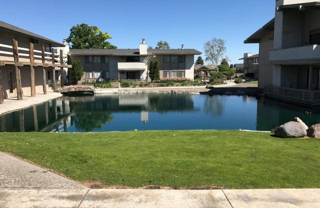 Lakeside - 5100 W Clearwater Ave, Kennewick, WA 99336