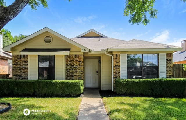 934 Sanders Drive - 934 Sanders Drive, Duncanville, TX 75137