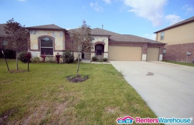 31 Royal Rose Drive - 31 Royal Rose Drive, Manvel, TX 77578