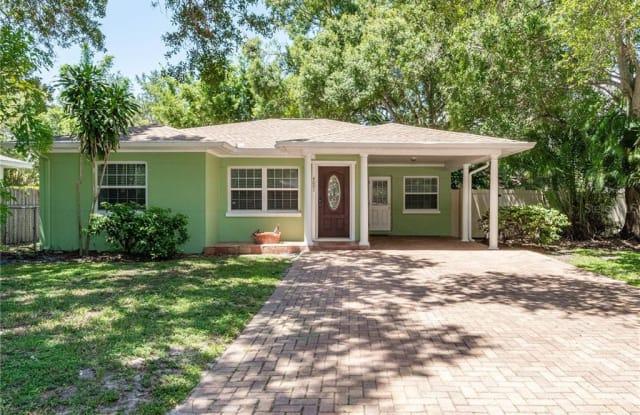 4001 W ESTRELLA STREET - 4001 West Estrella Street, Tampa, FL 33629