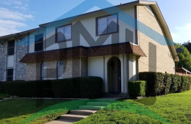2326 Overland Ln - 2326 Overland Lane, Arlington, TX 76014