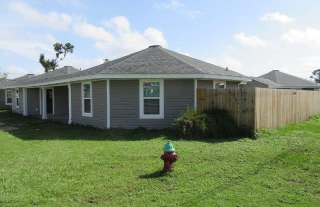 1300  A Grace Ave - 1300 Grace Ave, Panama City, FL 32401