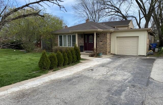 497 Ridge Rd - 497 Ridge Road, Highland Park, IL 60035