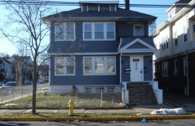 221 Ampere Pkwy - 221 Ampere Parkway, Essex County, NJ 07003