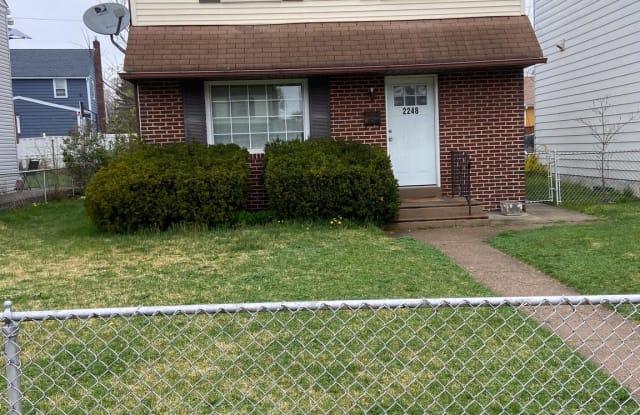 2248 HOLLINSHED AVENUE - 2248 Hollinshed Avenue, Camden County, NJ 08110