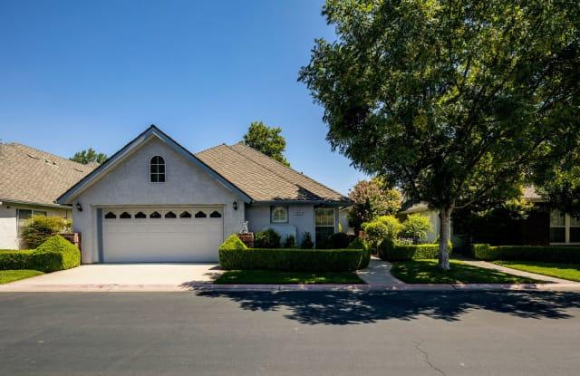 6664 North Seedlescombe Drive - 6664 North Seedlescombe Drive, Fresno, CA 93711