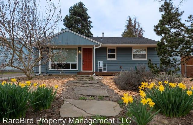 10221 N Oswego Ave - 10221 North Oswego Avenue, Portland, OR 97203