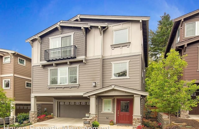 10506 SE 10th Ct - 10506 Southeast 10th Court, Bellevue, WA 98004