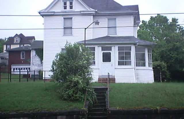 143 Holland Avenue - 143 Holland Avenue, Westover, WV 26501
