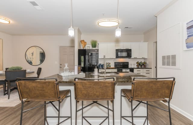 The Aventine Greenville - 97 Market Point Dr, Greenville, SC 29607