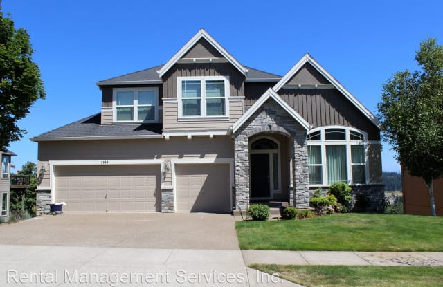 12606 SE 155th Ave - 12606 Southeast 155th Avenue, Happy Valley, OR 97086