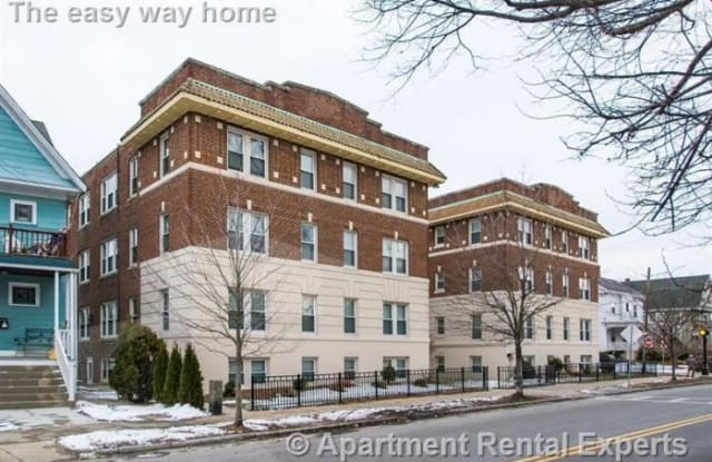 125 W Wyoming Ave - 125 West Wyoming Avenue, Melrose, MA 02176