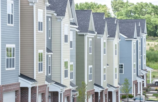 Highland Village - 450 Highland Ave, Pittsburgh, PA 15229