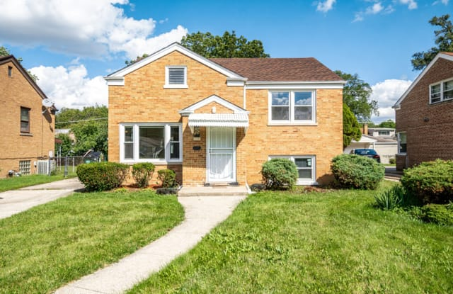 2413 S 22nd Ave - 2413 22nd Avenue, Broadview, IL 60155