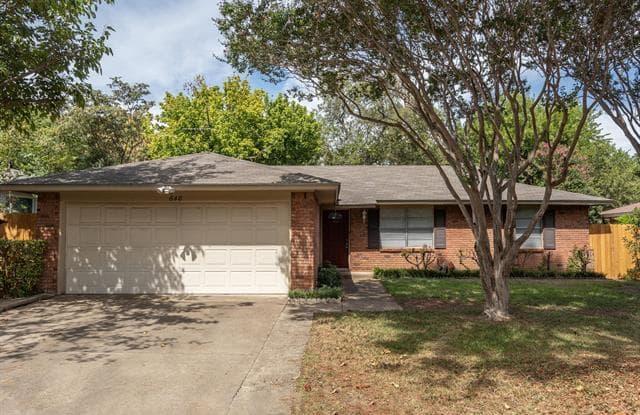 648 Oak Drive - 648 West Oak Street, Hurst, TX 76053
