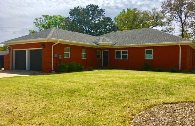 312 NW Briarwood Circle - 312 Briarwood Cir NW, Fort Walton Beach, FL 32548