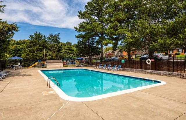 Ivy Gates Apartments - 101 Ivy Ln, Petersburg, VA 23805