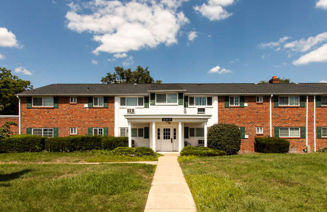 Rolling Green Apartments - 2622 Swede Rd, Montgomery County, PA 19401