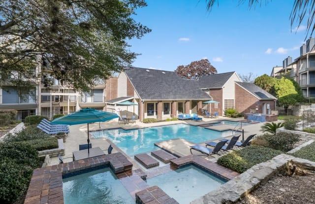 Hillcreste at Thousand Oaks - 1570 Thousand Oaks Dr, San Antonio, TX 78232