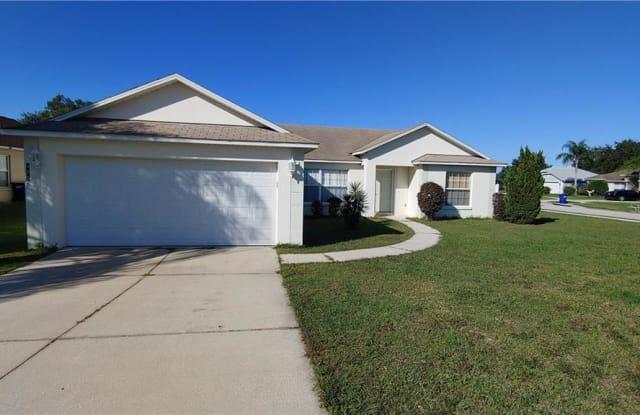 819 GENTLE BREEZE DRIVE - 819 Gentle Breeze Drive, Minneola, FL 34715