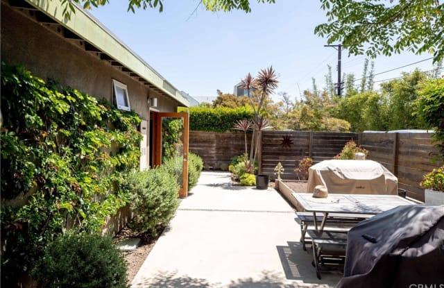 545 Bernard Street - 545 Bernard Street, Costa Mesa, CA 92627