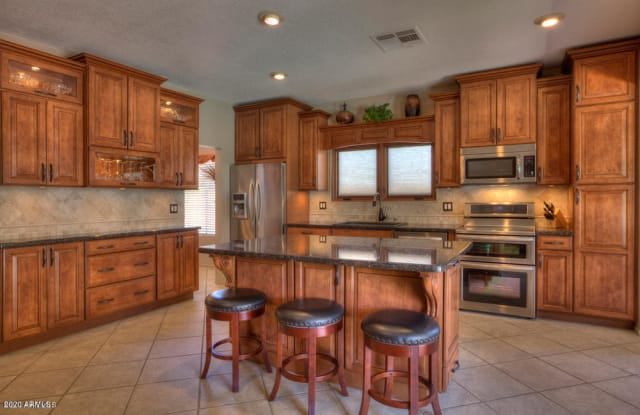 9075 E POINSETTIA Drive - 9075 East Poinsettia Drive, Scottsdale, AZ 85260