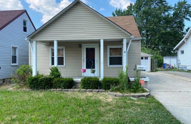 8411 Paige Ave - 8411 Paige Avenue, Warren, MI 48089