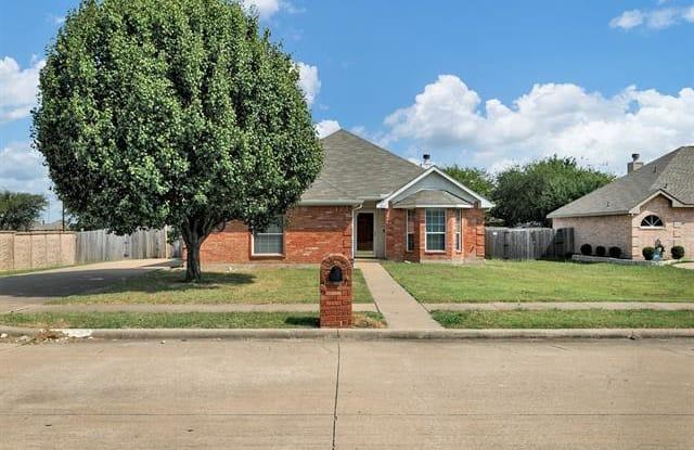 271 Cobblestone Circle - 271 Cobblestone Circle, Red Oak, TX 75154