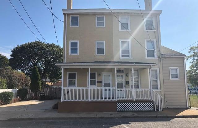 20 W 2ND STREET - 20 West 2nd Street, Burlington, NJ 08016