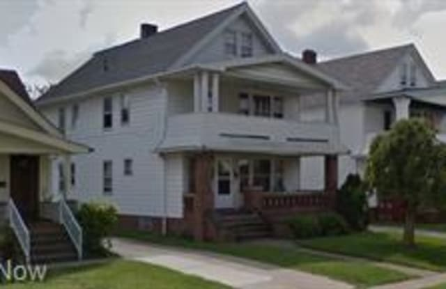 10000 Greenview Ave - 10000 Greenview Avenue, Garfield Heights, OH 44125