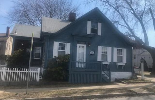 39 Middle St. - 39 Middle Street, Bristol County, MA 02719