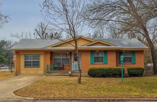 217 Charlotte Avenue - 217 Charlotte Ave, Waxahachie, TX 75165