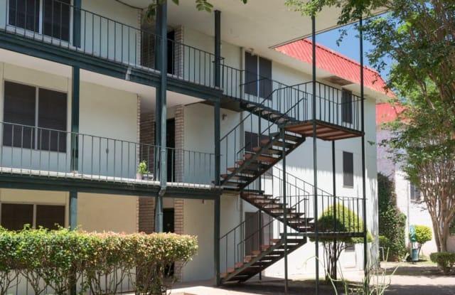 Su Casa - 109 W 39th St, Austin, TX 78751