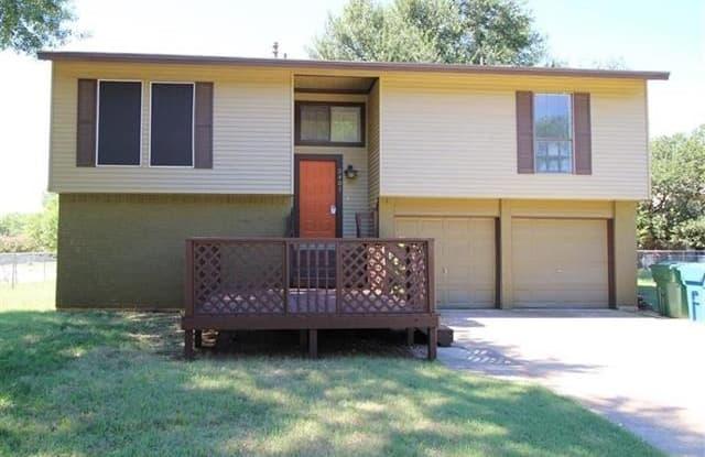5401 Medlin Court - 5401 Medlin Court, Flower Mound, TX 75028
