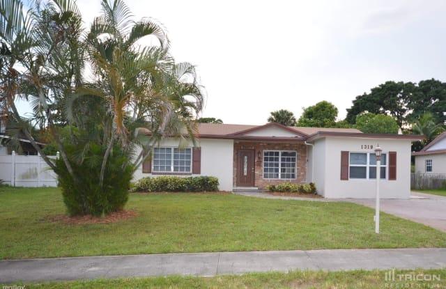 1319 Braeburn - 1319 Braeburn, North Lauderdale, FL 33068