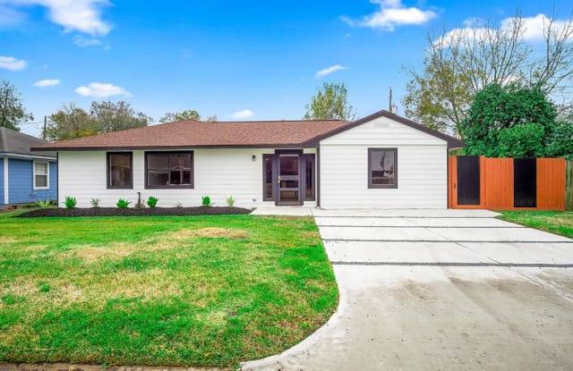 3206 Bond Street - 3206 Bond Street, Pasadena, TX 77503