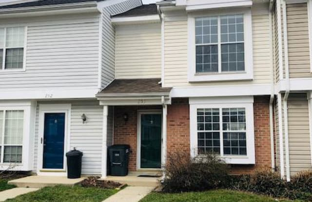 253 COVENTRY SQ - 253 Coventry Square, Sterling, VA 20164