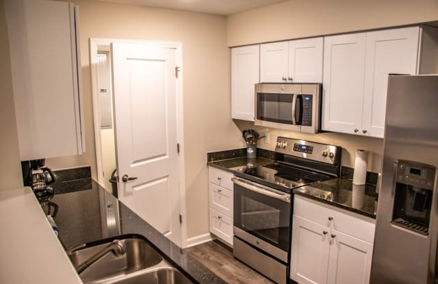 Square at Latham Park - 4170 Green Clover Drive, Hilliard, OH 43026
