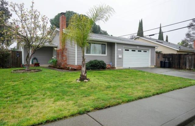 801 Finch Way - 801 Finch Way, Fairfield, CA 94533