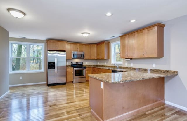 192 Neponset - 192 Neponset St, Canton, MA 02021