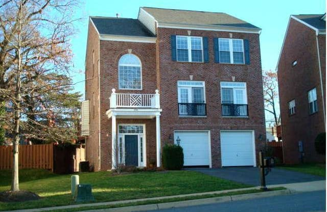 2341 BRITTANY PARC DRIVE - 2341 Brittany Parc Dr, Idylwood, VA 22043