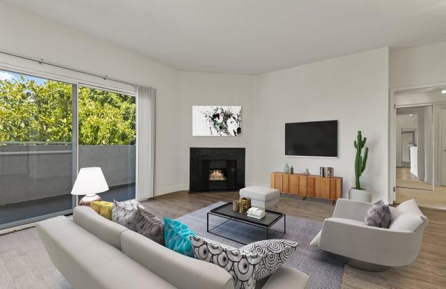 Cahuenga Heights - 2104 N Cahuenga Blvd, Los Angeles, CA 90068