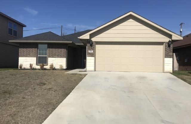 2321 Old Leonard Street - 2321 Old Leonard Street, Fort Worth, TX 76119