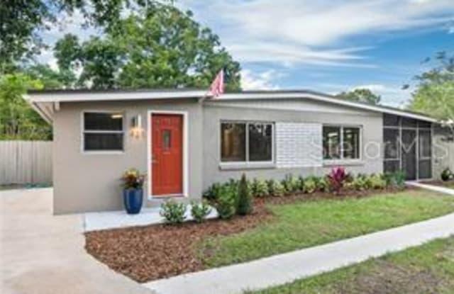 423 E CRYSTAL LAKE STREET - 423 Crystal Lake Street, Orlando, FL 32806