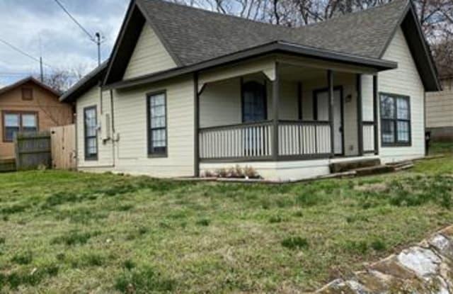 1100 W Owing Street - 1100 West Owings Street, Denison, TX 75020