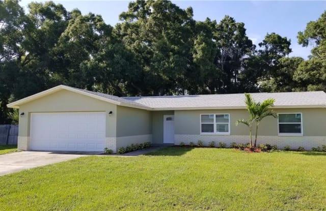 5349 70TH AVENUE N - 5349 70th Avenue North, Pinellas Park, FL 33781