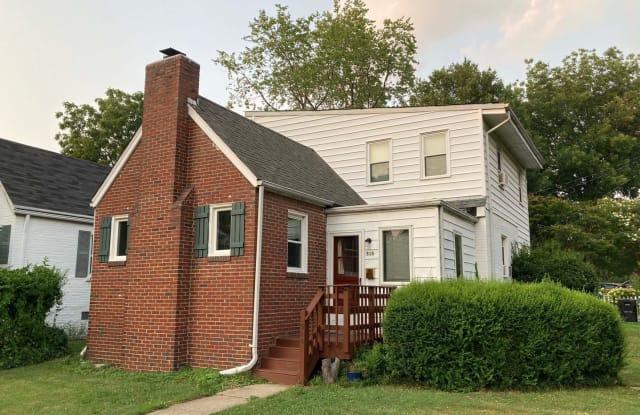 515 S. Wakefield Street - 515 South Wakefield Street, Arlington, VA 22204