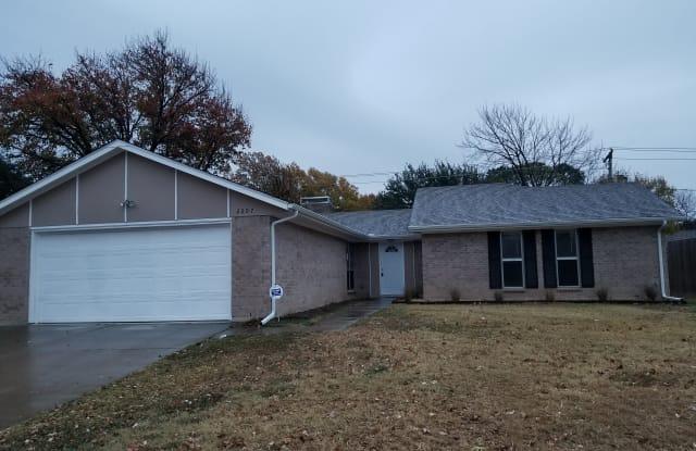 2207 Lavon Creek Ln - 2207 Lavon Creek Lane, Arlington, TX 76006