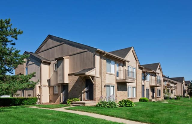 Lakeside Terraces - 44525 Pine Dr, Sterling Heights, MI 48313